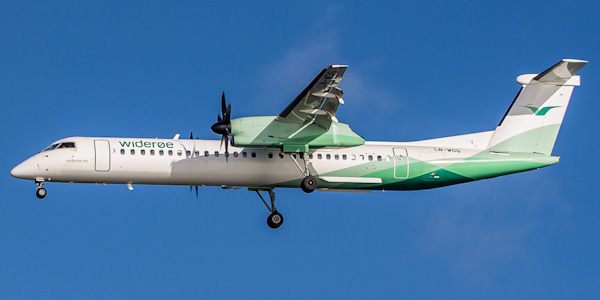 Bombardier Dash 8 Q400 commercial aircraft