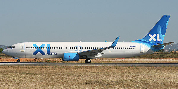 Boeing 737-900 commercial aircraft