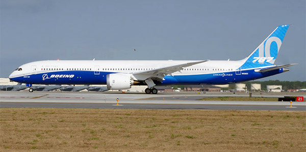 Boeing-787-10 commercial aircraft