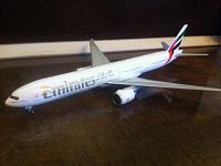 Обзор модели самолёта Boeing 777-300ER Emirates от Gemini Jets 1:200